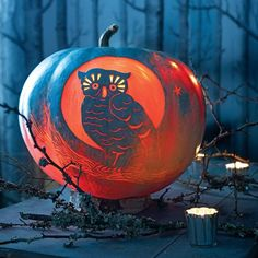 Create one or more of these spooky, festive, and just plain fun pumpkins for Halloween using one of our templates.A shiny-eyed bird is a wise addition to your Halloween decor.Print the Night Owl Pumpkin Template Retro Halloween, Vintage Halloween Decorations, Fall Halloween, Halloween Party, Halloween Night, Witch Party, Halloween Costumes, Spooky Decor, Halloween Quotes