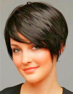 Pixie Cuts For Round Faces - Pixie Cut For Round Faces - Coiffure 01 Fat Face Short Hair, Pixie Cut Round Face, Pixie Haircut For Round Faces, Short Hair Cuts For Round Faces, Pixie Haircut For Thick Hair, Longer Pixie Haircut, Short Hairstyles For Thick Hair, Short Hair For Round Face Plus Size, Wavy Hair