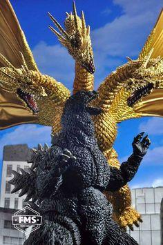 Godzilla vs King Ghidorah. S.H.Monsterarts. You Photography by Harold Ruiz