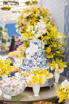 janeiro-decoracao-azul-amarelo-bolo