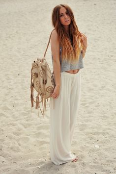 In really digging palazzo pants for this spring/summer. So laid back and comfy, yet stylish. Hmmmm
