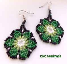 Huichol earrings,green,3,3 cm diameter