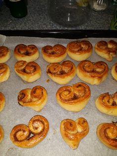 Kváskové kakaové a škoricové osie hniezda French Toast, Muffin, Breakfast, Food, Morning Coffee, Essen, Muffins, Meals, Cupcakes