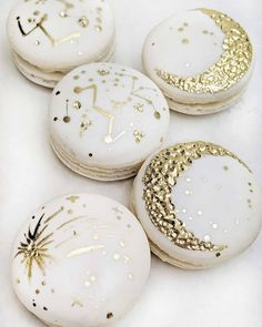 ✨🌛🌠⭐Who's your moon and stars? Who do you wish upon a shooting star for? Let them know with our limited edition for Valentine's Day… Baby Shower Desserts, Baby Shower Cakes, Girl Baptism Party, Goddess Provisions, You Are My Moon, Meringue Cookies, Wedding Desserts, Wedding Themes, Wedding Cake