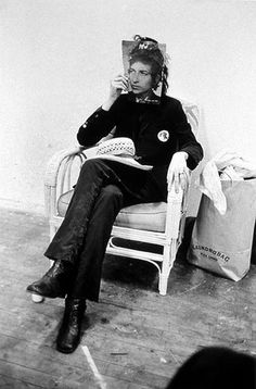 Just Patti Smith as Bob Dylan. Credit unknown.