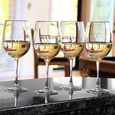 Personalized White Wine es (Set of 4) (White Wine es Set of 4)