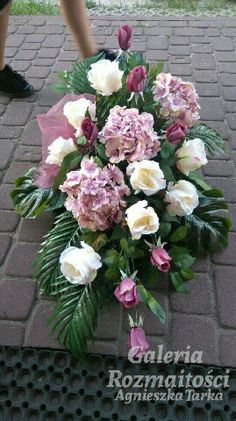 Cemetery Decorations, Fall Flowers, Ikebana, My Flower, Funeral, Floral Arrangements, Diy And Crafts, Floral Wreath, Wreaths