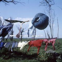 Victor Meeussen, Wapperend wasgoed in de omgeving van Scheveningen (1950-1960).      Creator:   fotograaf:   Meeussen, Victor