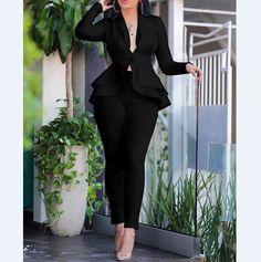 Designer Jumpsuits, Designer Dresses, Trend Fashion, Fashion Outfits, Chic Type, Mode Abaya, Pantalon Costume, Pantsuits For Women, Elegant Woman
