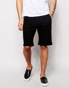 €156, Schwarze Shorts von Diesel. Online-Shop: Asos. Klicken Sie hier für mehr Informationen: https://lookastic.com/men/shop_items/246538/redirect
