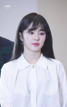 Seulgi, Park Sooyoung, Fan Picture, Flawless Beauty, Red Velvet Irene, Velvet Fashion, Interesting Faces, Beautiful Gorgeous, Daegu