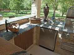 Cook in Luxury - Amazing Outdoor Kitchens on HGTV
