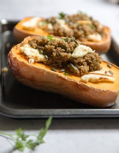 Baked squash with spiced quinoa and grilled halloumi - Eat Yourself Greek Quinoa Squash, Baked Butternut Squash, Baked Squash, Grilled Halloumi, Cheese Pumpkin, Warm Food, Food Print, Baking Recipes, Side Dishes