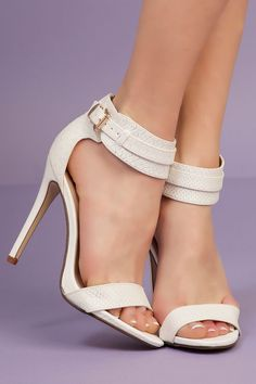 Sandales Blanches - @kibodiosocial
