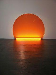 Soleil Couchant, Pierre Ardouvin, 2005 Altuglas, réglette fluorescente, 120 x 150 cm, ©Pierre Ardouvin ADAGP