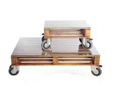 pallet tables on wheels.. this would be great out on a patio