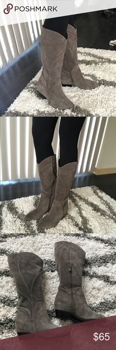 NWT Gray Suede Knee High Heeled Boots Size 8.5 Love. Real Genuine Suede. ❤️ Boutique Shoes Heeled Boots
