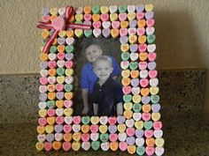 Had 1st Graders make this Conversation Heart Frame Craft for Valentine's Day.