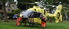 """Veel hulpdiensten waaronder de traumaheli zijn met spoed aanwezig geweest bij hulpverlening aan de Tilanusssingel in Pijnacker Noord, de brandweer die een """"first responder"""" oproep kreeg kon na korte tijd weer vertrekken.  Het slachtoffer is door de ambulance naar het ziekenhuis vervoerd."""