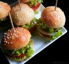 Finger Food Appetizers, Appetizer Recipes, Mini Hamburgers, Milanesa, Salmon Burgers, Catering, Cooking Recipes, Food And Drink, Meals