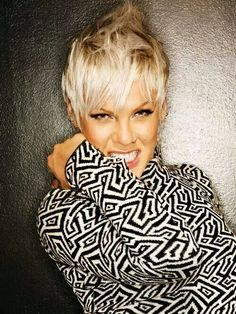 Image result for pink singer 2018 Haircuts, Blonde Pixie Cuts, Music Pictures, Pixies, My Favorite Music, Pretty Hairstyles, Her Hair, Alecia Moore, Singer