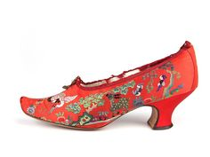 Shoe-Icons \\\/ Shoes \\\/ Ladies' pumps with pointed upturned toes with red satin upper decorated with Chines style embroidery.