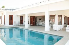 Prachtige 14 persoons vakantievilla Jan Thiel Curacao   Dreamrentals Curacao