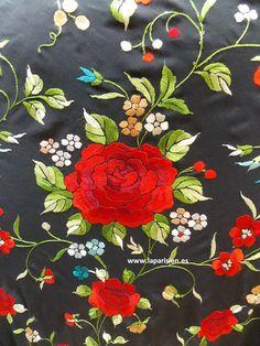 Mantón de Manila. Kebaya, Ribbon Embroidery, Textile Design, Shawls, Blouse Designs, Needlework, Nova, Napkins, Velvet