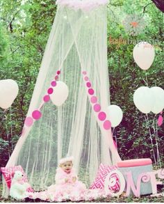 Adorable first birthday photo idea!