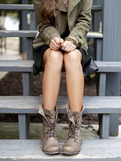 Steve Madden Troopa Military Boots in Stone - Footwear