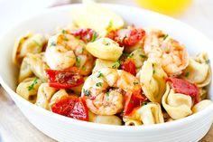 Garlic Shrimp Tortellini - AMAZING tortellini with garlic shrimp. Super easy recipe, takes 20 minutes, so delicious and better than restaurant's | rasamalaysia.com
