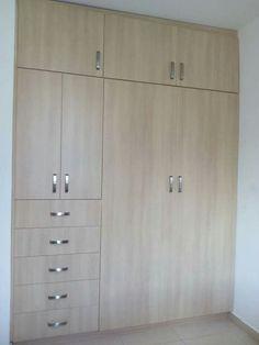 Apartamento mio Wardrobe Door Designs, Wardrobe Design Bedroom, Bedroom Furniture Design, Wardrobe Closet, Closet Designs, Closet Bedroom, Home Decor Furniture, Bedroom Cupboard Designs, Bedroom Cupboards