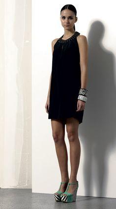 Look 06 . 353 Abito / Dress . 2202 Bracciale / Bracelet . 2205 Bracciale / Bracelet . 203P Scarpa / Shoes