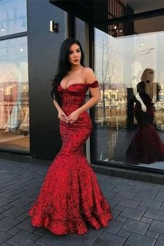 sparkly prom dresses 2020 sweetheart neckline off the shoulder formal dresses arabic party dresses red evening gowns Burgundy Homecoming Dresses, Sparkly Prom Dresses, Prom Dresses Two Piece, V Neck Prom Dresses, Elegant Prom Dresses, Long Prom Gowns, Evening Dresses, Bridesmaid Dresses, Formal Dresses