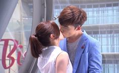 Watch: Danson Tang and Li Jia Ying kiss for 2 minutes in Murphy's Law of Love