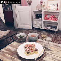 @ines_arroyo 's Sushi night @grupoinstamaki | with her girls @gigi_vives home @coconstans @caroelbaile @carlacominc