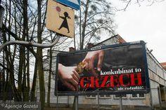 Plakat ''Konkubinat to grzech'' przy ul. Toruńskiej w Gdańsku