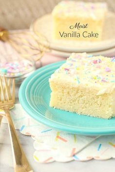 perfectly Moist Vanilla Cake Recipe is a slightly denser than average cake with a tight crumb. Instead of light and fluffy this is more like a sponge cake. It's packed full of vanilla and after the first bite, you know it's homemade. Homemade Vanilla Cake, Moist Vanilla Cake, Easy Vanilla Cake Recipe, Vanilla Cake Mixes, Homemade Cakes, Vanilla Cupcakes, Vanilla Buttercream, Buttercream Frosting, Vanilla Sponge Cake