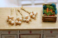 Dollhouse miniatures garlic braid, dollhouse food, miniature food 1:12 scale. by…