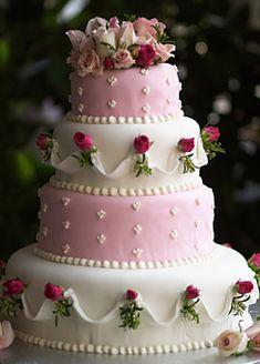 Pink & White wedding cake with tiny roses - GORGEOUS~