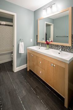 Gray Floor Tile Bath Design Ideas Pictures Remodel And Decor