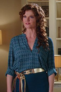 Evelyn Powell in Devious Maids S03E13