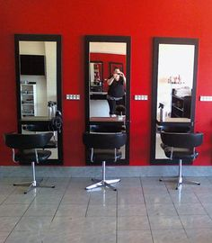 Full-length mirrors can be used at home and even at beauty parlors and salons.
