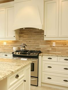 Beige, brown and gray travertine kitchen tile backsplash ideas with kitchen cabinets and countertops. Travertine backsplash tile photos and projects. Beige Kitchen Cabinets, Kitchen Backsplash, Backsplash Ideas, Tile Ideas, Slate Kitchen, Subway Backsplash, Backsplash Design, Brown Cabinets, Kitchen Counters