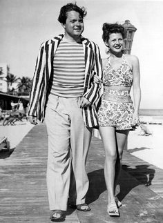 Ultimate 40s pin up Rita Hayworth pictured here with Orson Welles in 1945