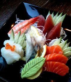 Sushi Co, Sushi Lunch, Sushi Party, Raw Fish Recipes, Seafood Recipes, Asian Recipes, Oishi Sushi, Sushi Catering, Fresh Sushi