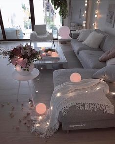 51 affordable apartment living room design ideas on a budget 36 Living Room Decor Cozy, Decor Room, Home Living Room, Apartment Living, Interior Design Living Room, Living Room Designs, Bedroom Decor, Cozy Apartment, Living Spaces