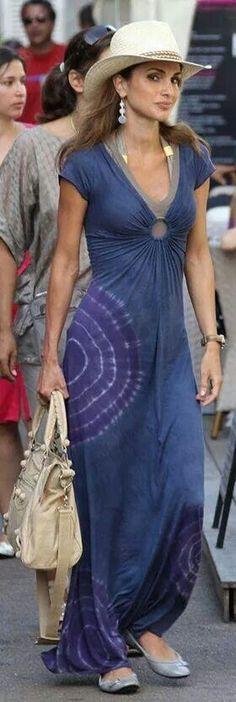 HH. Queen Rania Al-Abdullah. CASUAL