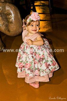 Lindo vestido floral rosa para bebê