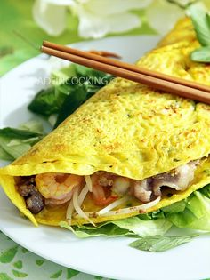 Banh xeo Vietnamese pancake: Gluten-free pancake recipes without milk without oe . Pancake Recipe Without Milk, Waffle Recipe No Milk, Easy Waffle Recipe, Waffle Recipes, Pancake Recipes, Crepe Recipes, Quick Recipes, Banh Xeo, Indian Food Recipes